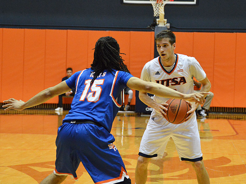 Giovanni De Nicolao. UTSA lost to Sam Houston State on Thursday, March 22, 2018, at the UTSA Convocation Center in the CollegeInsider.com Tournament quarterfinals.