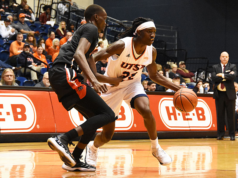 Sophomore guard Keaton Wallace scored a career-high 35 points to lead UTSA to a 104-74 victory over Mid-American Christian on Saturday, Dec. 8, 2018, at the UTSA Convocation Center. - photo by Joe Alexander