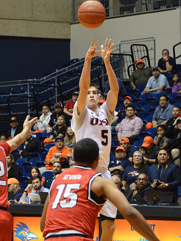Giovanni De Nicolao. UTSA beat Lamar 76-69 on Wednesday, March 14, 2018 at the UTSA Convocation Center in the CollegeInsider.com Tournament. Photo by Joe Alexander