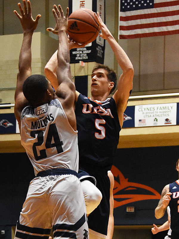 Junior guard Giovanni De Nicolao had 19 points and 7 assists in UTSA's 95-79 Conference USA victory over Rice on Thursday, Jan. 10, 2019, at the UTSA Convocation Center. - photo by Joe Alexander