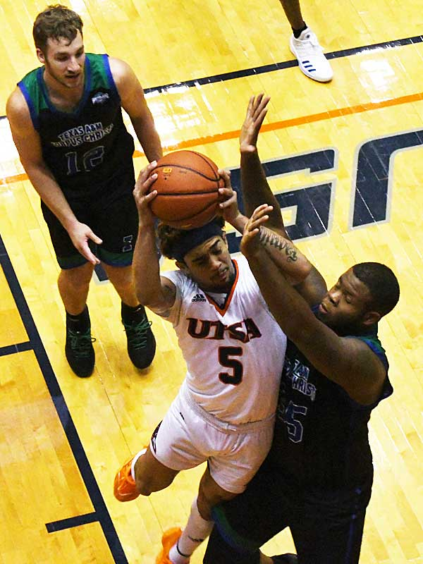 Makani Whiteside. UTSA beat A&M-Corpus Christi 89-67 on Tuesday night at the UTSA Convocation Center. - photo by Joe Alexander