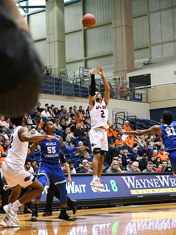 Jhivvan Jackson. UTSA lost to Middle Tennessee on Saturday at the UTSA Convocation Center. - photo by Joe Alexander