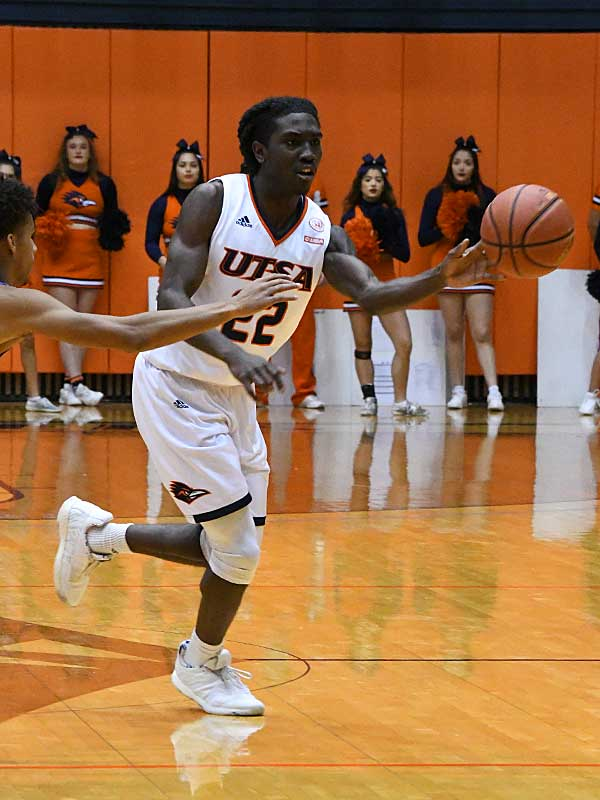 Keaton Wallace. UTSA lost to Middle Tennessee on Saturday at the UTSA Convocation Center. - photo by Joe Alexander