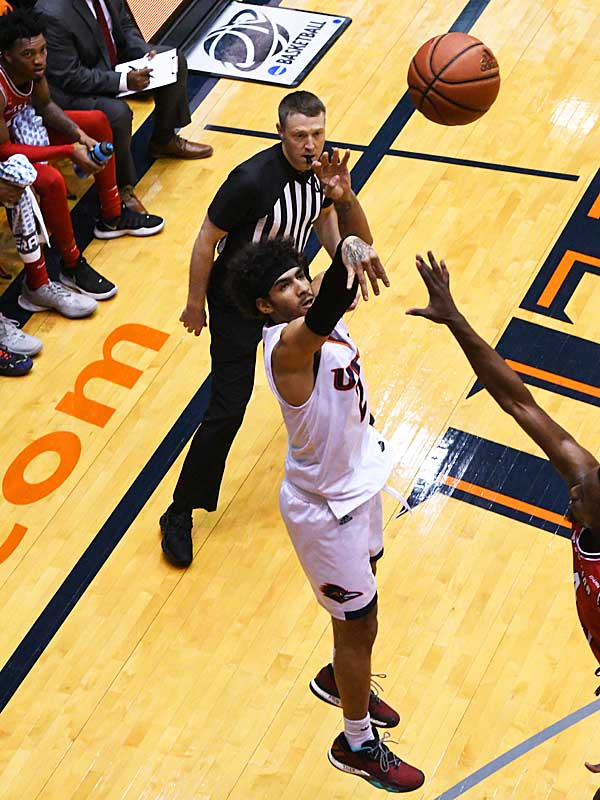 Jhivvan Jackson. Western Kentucky beat UTSA 77-73 in overtime in Conference USA on Saturday at the UTSA Convocation Center. - photo by Joe Alexander
