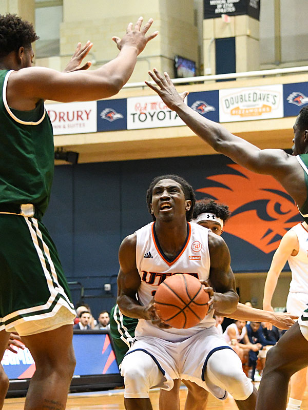 Keaton Wallace. UTSA came from behind in the second half to beat UAB 66-59 in a Conference USA bonus play game Sunday at the UTSA Convocation Center. - photo by Joe Alexander