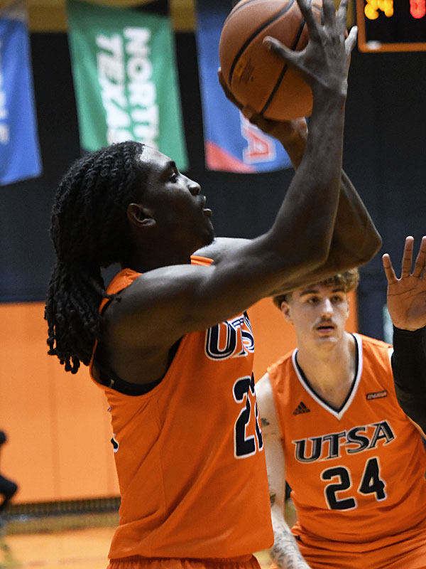 Keaton Wallace. UTSA beat North Texas 77-69 in a Conference USA game on Saturday, Jan. 9, 2021 at the Convocation Center. - photo by Joe Alexander