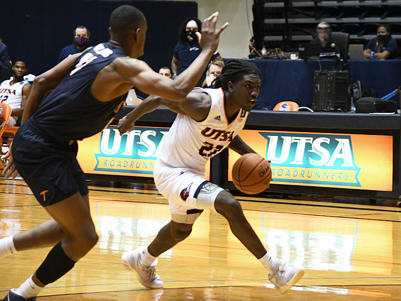 Keaton Wallace. UTSA beat UTEP 86-79 in a Conference USA game on Thursday, Jan. 28, 2021 at the UTSA Convocation Center. - photo by Joe Alexander