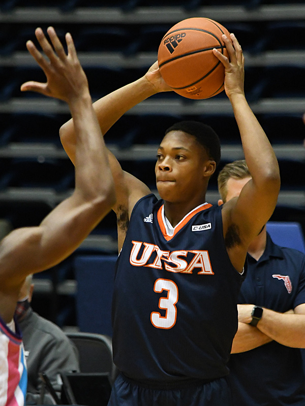 Jordan Ivy-Curry. UTSA beat Florida Atlantic 86-75 at the Convocation Center on Saturday, Feb. 13, 2021, in the second game of a Conference USA men's college basketball back-to-back. - photo by Joe Alexander