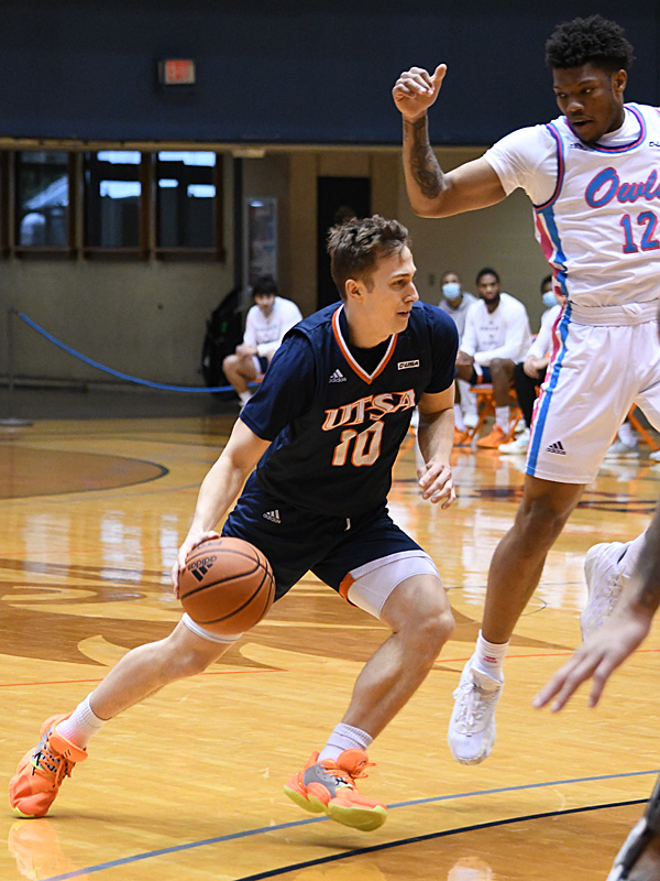 Erik Czumbel. UTSA beat Florida Atlantic 86-75 at the Convocation Center on Saturday, Feb. 13, 2021, in the second game of a Conference USA men's college basketball back-to-back. - photo by Joe Alexander