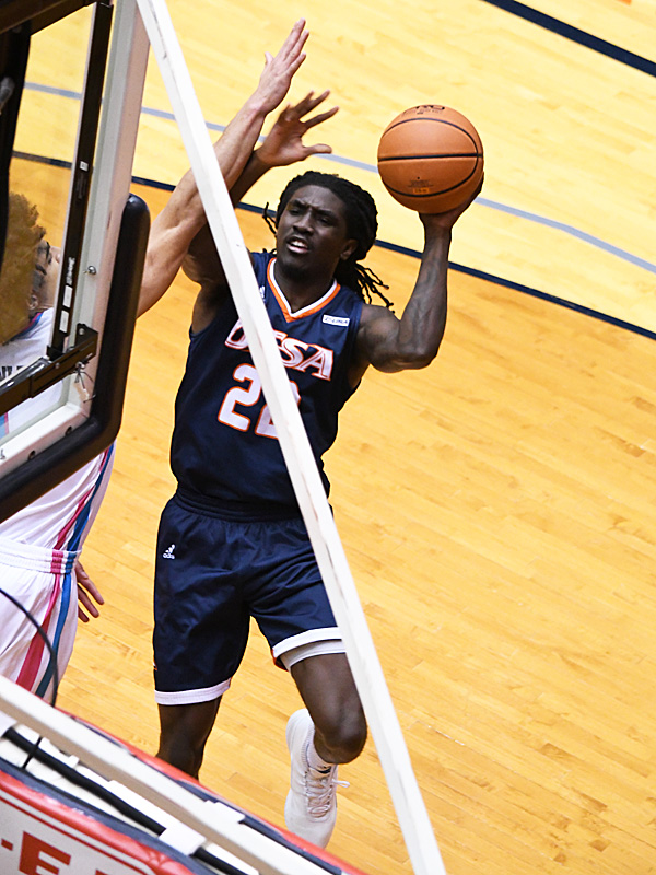 Keaton Wallace. UTSA beat Florida Atlantic 86-75 at the Convocation Center on Saturday, Feb. 13, 2021, in the second game of a Conference USA men's college basketball back-to-back. - photo by Joe Alexander