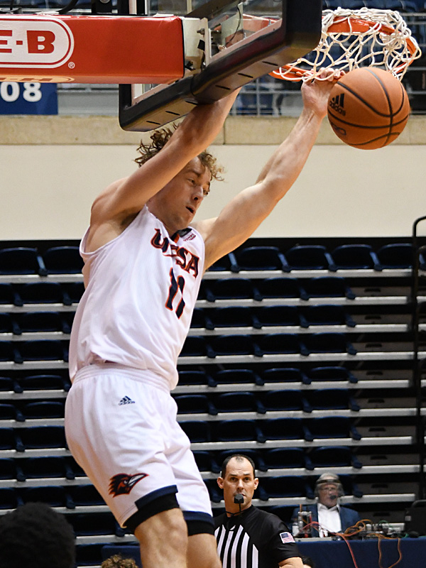 Lachlan Bofinger. UTSA beat Southwestern Adventist from Keene, Texas, 123-43 in a non-conference game on Thursday, March 4, 2021, at the UTSA Convocation Center. - photo by Joe Alexander